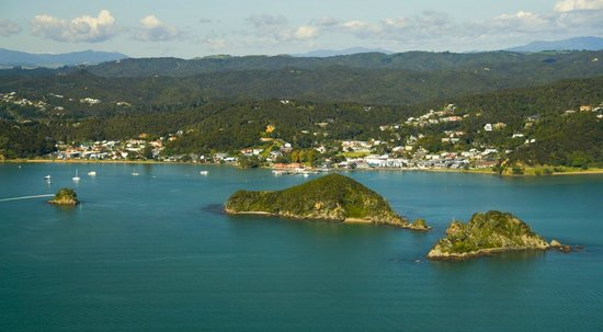 Allegra House: Looking to Paihia