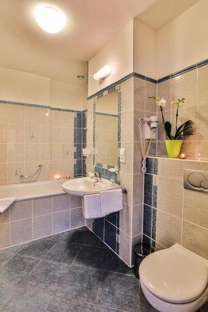 Arkada Hotel Praha: Bathroom