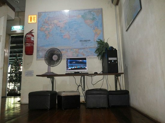 Travellers' Light Backpackers Lodge: Free Internet