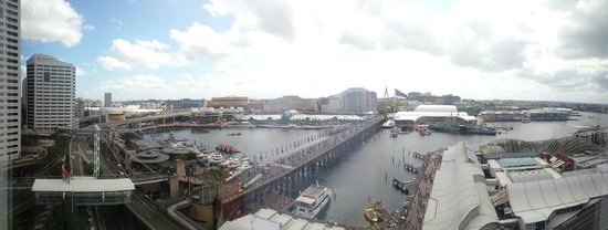 Four Points by Sheraton Sydney, Darling Harbour : View from our room on level 11