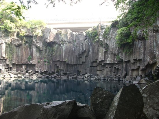 Cheonjeyeon Falls : 天帝淵の滝