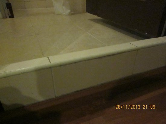 Cordia Residence Saladaeng: Watch your step going to the bathroom esp. at night