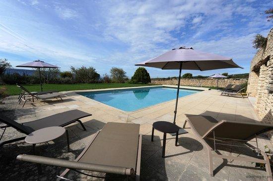 Domaine de L'Enclos : Terrasse de la piscine chauffée