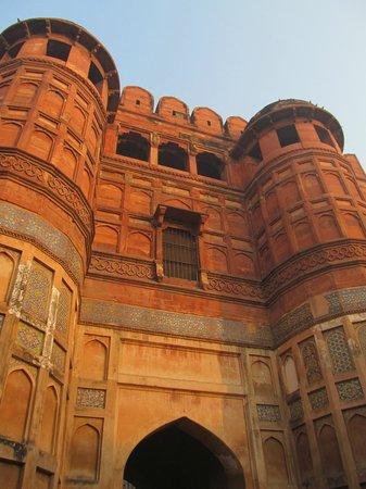 Fuerte de Agra: front gate