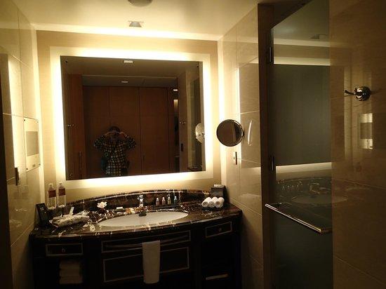 Shangri-La Hotel, Tokyo: 実際に泊まった部屋。クラブルーム34階
