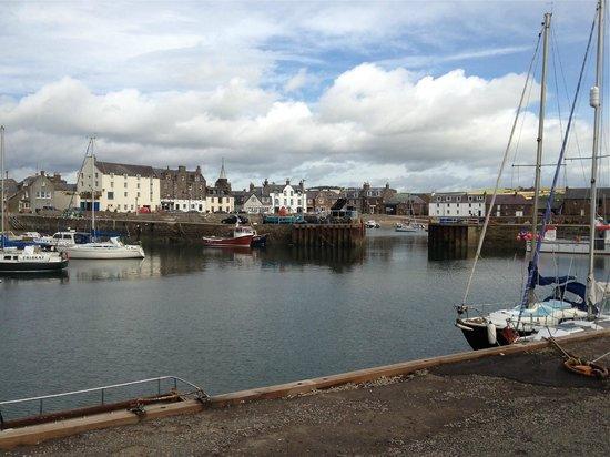 Marine Hotel: Stonehaven harbour