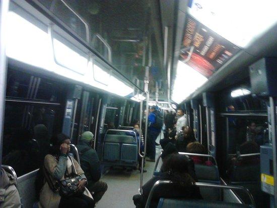 Claret Hotel: Metro Linea 14