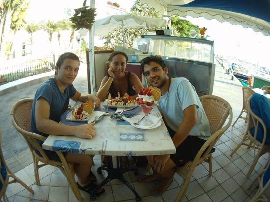 Café Sol Y Luna: Disfrutando de unos buenos postres