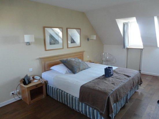 Hotel-Spa La Baie des Anges : Chambre (vue mer)