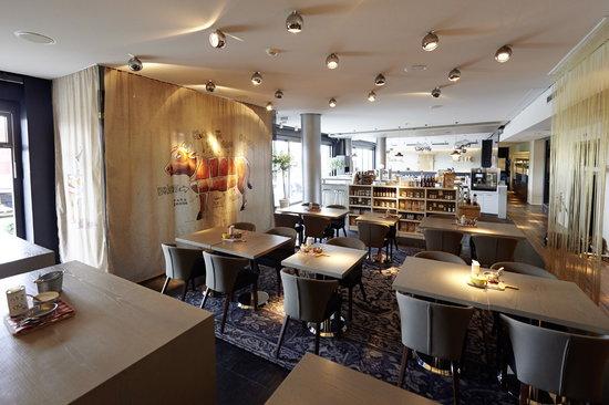 "Überfluss Hotel: Restaurant ""Le Gril"" im Designhotel ÜberFluss"