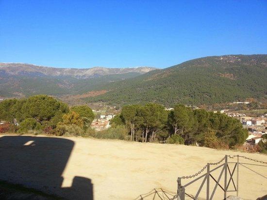 Castillo de La Adrada: Vista desde la almena del Valle del Tietar