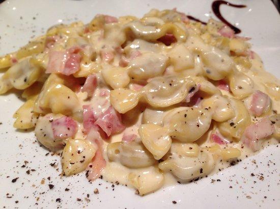 0039 Ristorante Italiano : Pâtes farcies au fromage et jambon