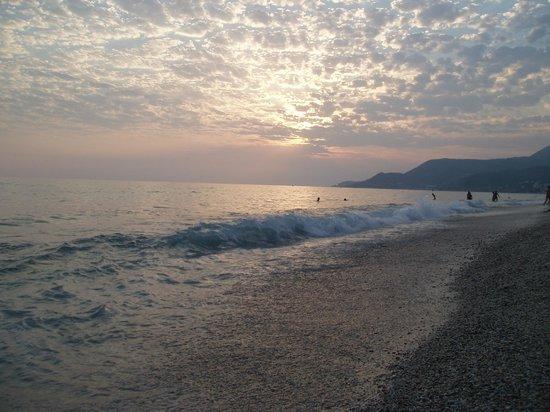 Aslan Kleopatra Beste Hotel: пляж Клеопатры