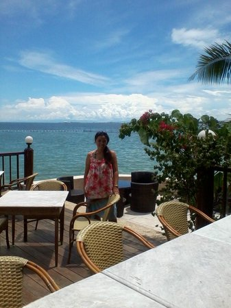 Cebu Marine Beach Resort: Me at alfresco at Cebu Marine