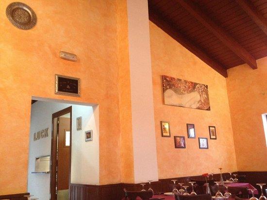 De Aqui y de Alla: Comedor