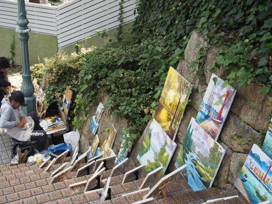 Kobe Kitano Museum (Ijinkan-gai): 絵描きさん