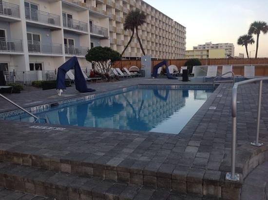 Lotus Boutique Inn & Suites Daytona Beach / Ormond Beach: nice pool!