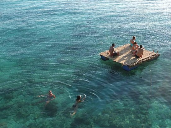 Spider House Resort: Crystal clear water
