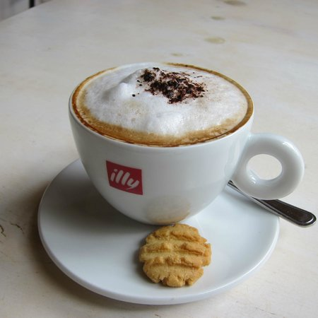 """Indigenus Kreasionz: """"illy coffee.  What more can I say ..."""""""
