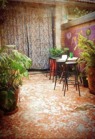 Uvaia Hostel: Vista da porta do quarto de casal