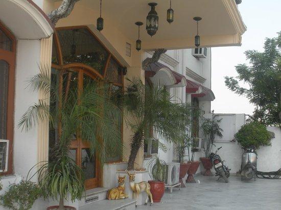 Hotel Ishan Villa : Entrance