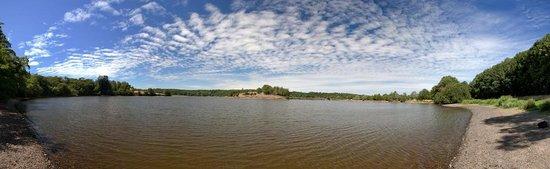 Camping Village de la Guyonniere : Le lac du Jaunay