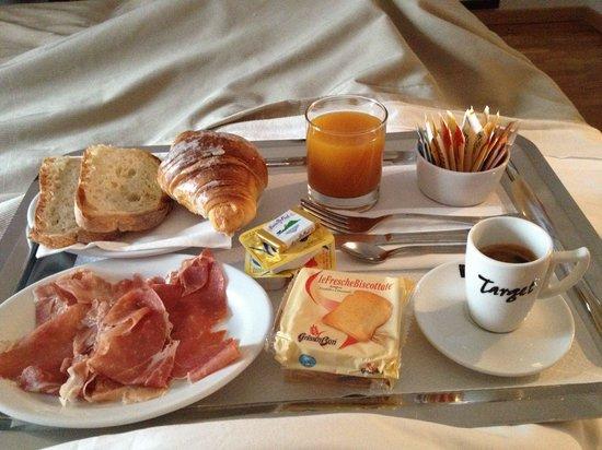 Target Inn: Ottima, la colazione personalizzata e servita in camera ❤️������