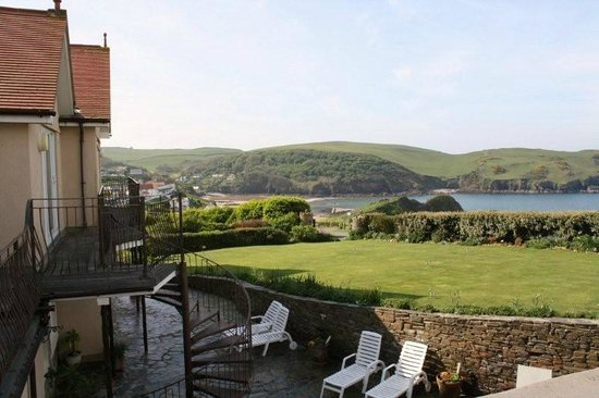 Lantern Lodge: Enjoy fantastic views of Hope Cove
