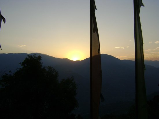 Hotel Rumtek Dzong: Morning sun from the room