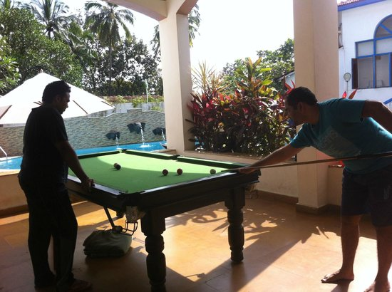 Royal Monterio: Pool at Pool Side