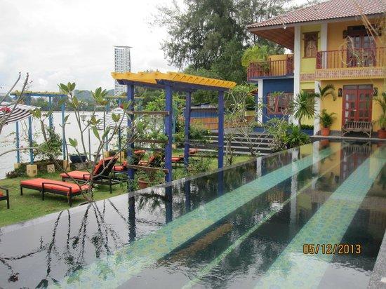 Lost Paradise Resort: infinity pool