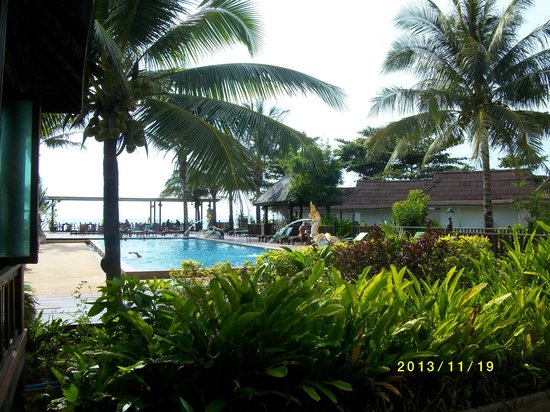 Nakara Long Beach Resort: Poolen