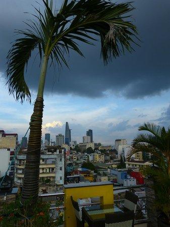 Duc Vuong Hotel: Aussicht von der Dachterrasse