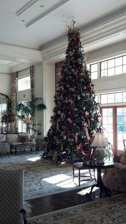 The Sanctuary Hotel at Kiawah Island Golf Resort : Christmas tree set up