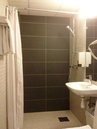 Hotell Arstaberg : Ванная комната