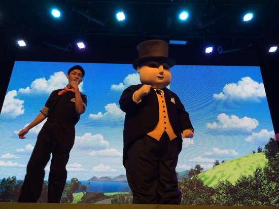 The Little Big Club : Fat controller