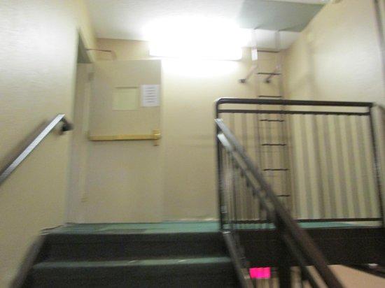 Sleep Inn & Suites: stairs to room