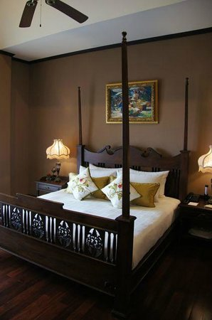 Puripunn Baby Grand Boutique Hotel: Suite bed