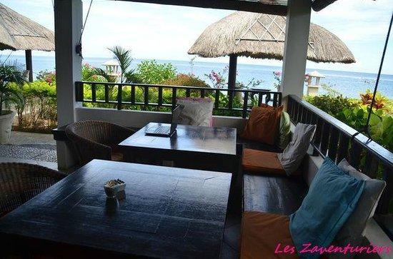 Kembali Beach Bungalows: salle a manger