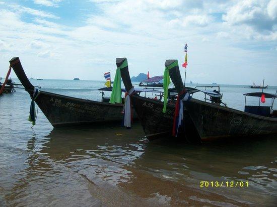 Aonang Villa Resort: Longtailbåtarna