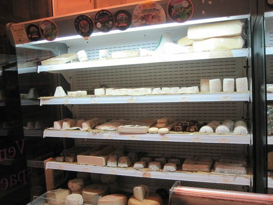 L'Affineur' Affiné : Less than half of the amazing cheese selection