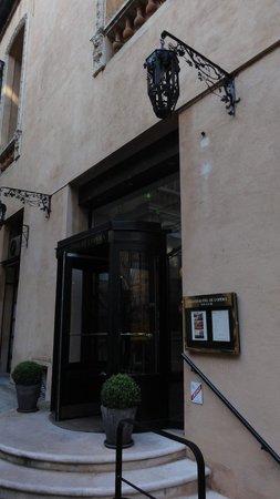 Grand Hôtel de l'Opéra : ロビーへの入り口。
