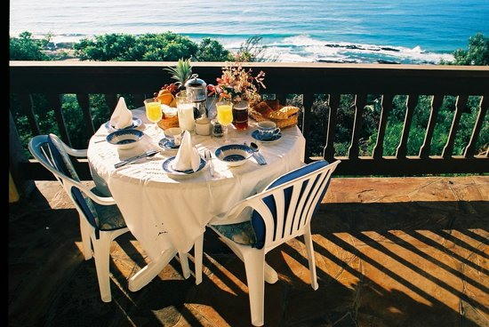 Bed & Breakfast by the Sea: Breakfast on the balcony with panoramic sea views
