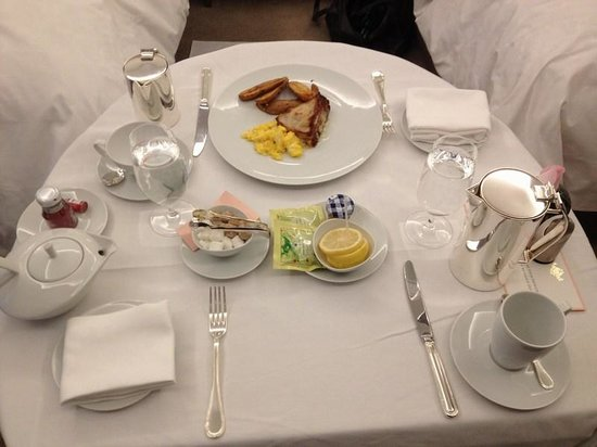 The Langham, Chicago: room service