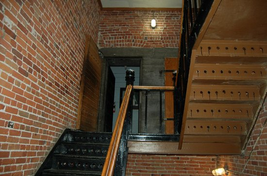 HI Ottawa Jail Hostel : Original features within the old Gaol