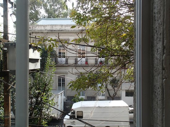 El patio 77, first eco-friendly B&B in Mexico City : View from Junior Suite overlooking side street