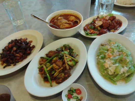 Tek Sen Restaurant : our dinner