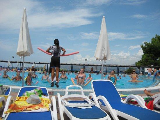 Remisens Hotel Albatros: водная аэробика