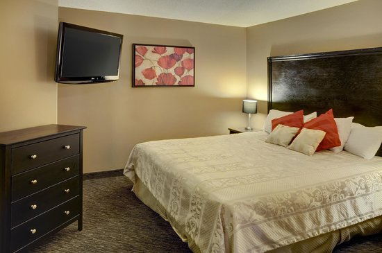 Sudbury Travelodge Hotel : Honeymoon Suite