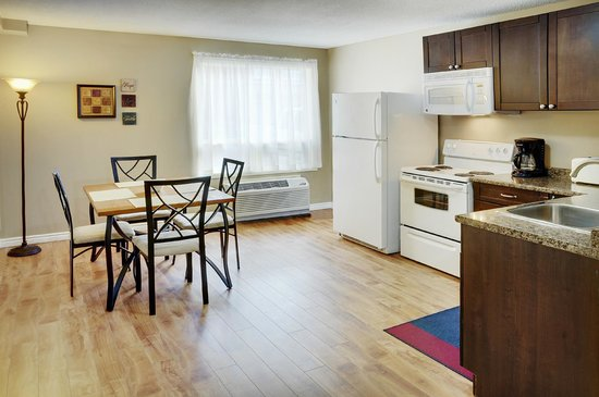 Sudbury Travelodge Hotel : Serenity Suite